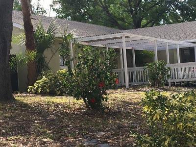 Orlando Single Family Home For Sale: 3942 Salmon Drive
