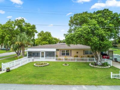 Debary Single Family Home For Sale: 46 Narcissus Drive