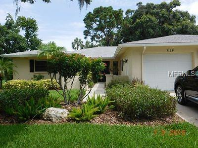 Sarasota Single Family Home For Sale: 7152 Fairway Bend Circle