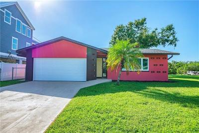 Ruskin Single Family Home For Sale: 815 Seabreeze Drive