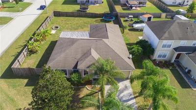Winter Haven Single Family Home For Sale: 856 Sun Ridge Village Drive