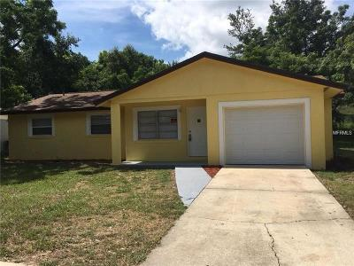 Apopka Single Family Home For Sale: 14 W Hammon Drive