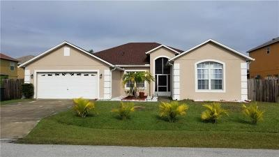 Kissimmee Single Family Home For Sale: 330 Aylesbury Court