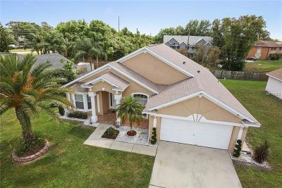 Kissimmee Single Family Home For Sale: 2615 Hawthorne Ln