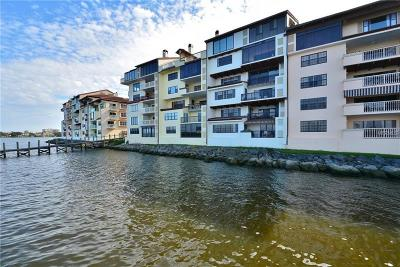 Daytona Beach Condo For Sale: 614 Marina Point Drive #6140