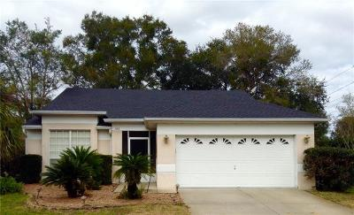 Winter Springs Single Family Home For Sale: 102 Woodleaf Drive
