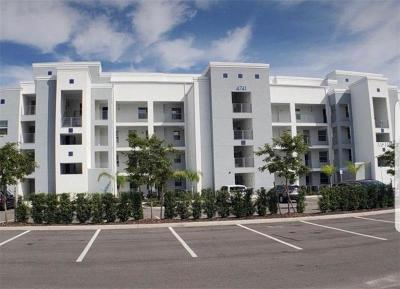 Kissimmee Condo For Sale: 4751 Clock Tower Drive #401
