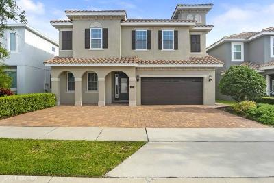Kissimmee Single Family Home For Sale: 7611 Wilmington Loop