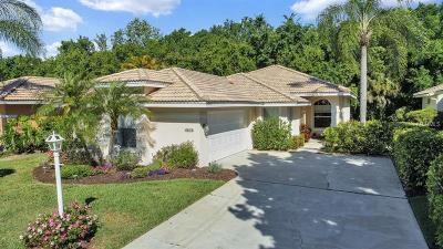 Single Family Home For Sale: 6674 Oakbrooke Circle