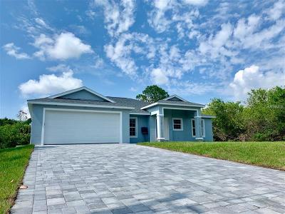 Port Charlotte Single Family Home For Sale: 733 Clearview Drive