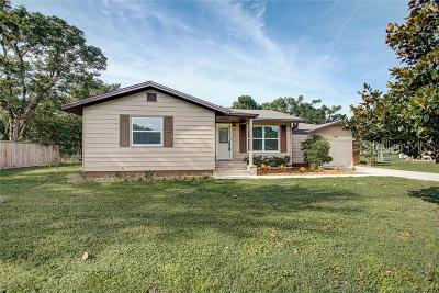 Mount Dora Single Family Home For Sale: 6746 Osceola Dr