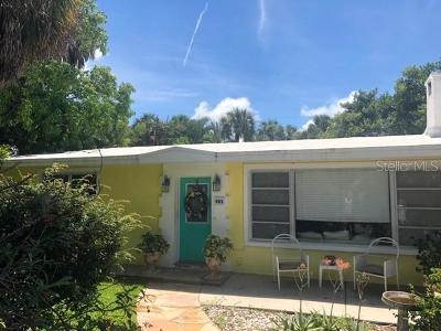 Holmes Beach Duplex For Sale: 405 80th Street #A/B