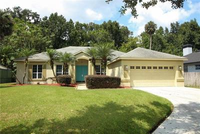Oviedo Single Family Home For Sale: 1045 Twin Oaks Circle