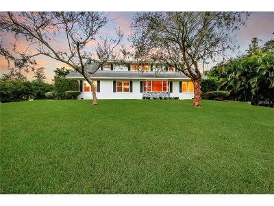 Winter Haven Single Family Home For Sale: 560 E Lake Elbert Drive NE