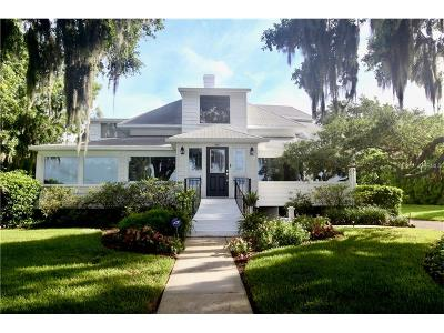 Winter Haven Single Family Home For Sale: 1325 N Lake Howard Drive