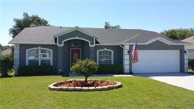 Winter Haven Single Family Home For Sale: 569 Heather Glen Drive
