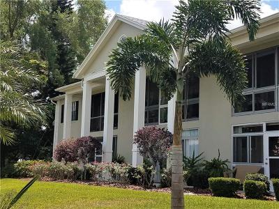 Winter Haven Condo For Sale: 689 Lake Howard Drive NW #219
