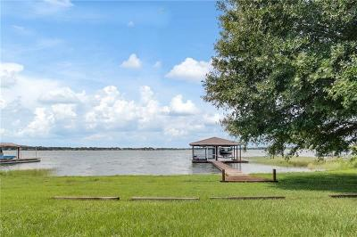 Winter Haven Single Family Home For Sale: 1452 S Lake Howard Drive