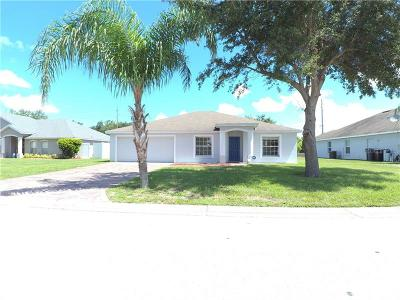 Winter Haven Single Family Home For Sale: 345 Majestic Gardens Drive