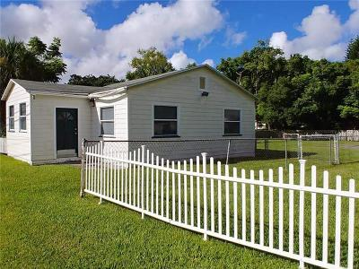 Orlando Single Family Home For Sale: 4020 Edgewater Drive