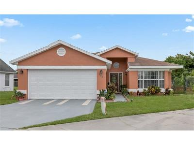 Kissimmee Single Family Home For Sale: 128 Coral Reef Circle