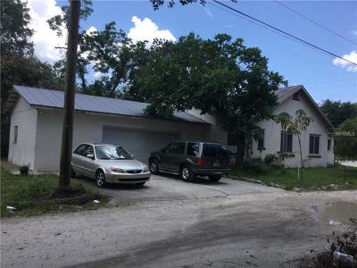 Kissimmee Single Family Home For Sale: 215 E Columbia Avenue