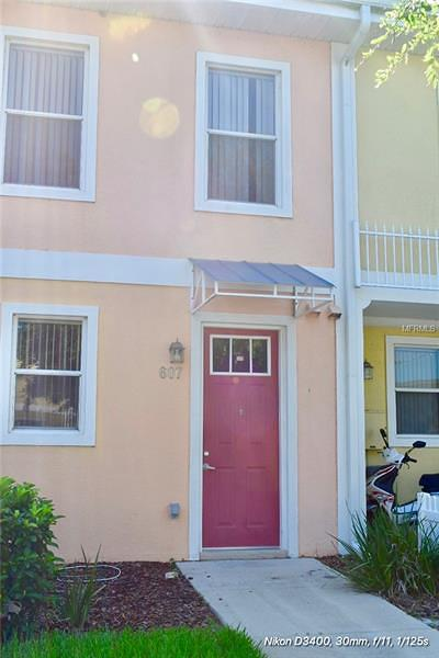 Kissimmee Townhouse For Sale: 607 Fairmont Place