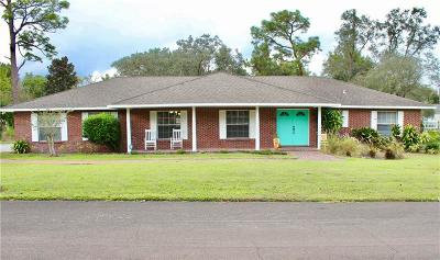 Haines City Single Family Home For Sale: 15 Pine Forest Circle