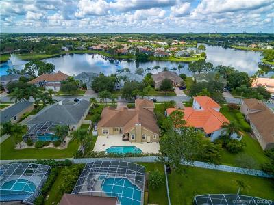 Hunters Creek Single Family Home For Sale: 4433 Lake Calabay Drive