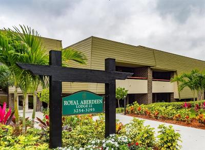 Palm Harbor Condo For Sale: 36750 Us Hwy 19 N #22w-206
