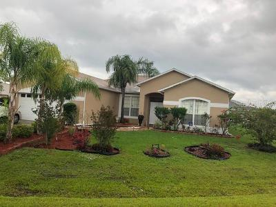 Kissimmee Single Family Home For Sale: 28 Catalina Court