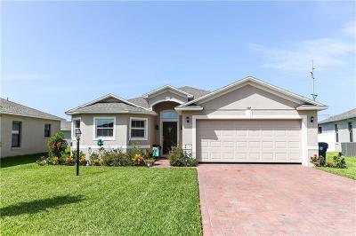 Auburndale Single Family Home For Sale: 107 Promenade Court