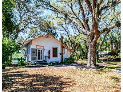 Bayport, Brooksville, Hernando Beach, Spring Hill, Weeki Wachee Single Family Home For Sale: 3106 Fiddler Lane