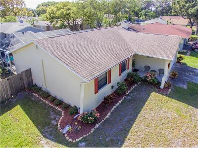 Safety Harbor Single Family Home For Sale: 106 Peacock Circle