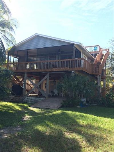 Placida Single Family Home For Sale: 9526 Jolly Roger Trail