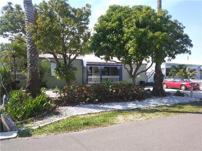 Redington Beach Single Family Home For Sale: 15910 1st Street E