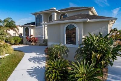 Apollo Beach Single Family Home For Sale: 804 Golf Island Drive