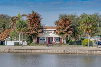 Single Family Home For Sale: 401 S Bermuda Boulevard
