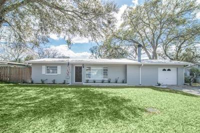 Brandon Single Family Home For Sale: 503 Hedge Row Road
