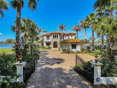 Tampa Single Family Home For Sale: 14818 Lake Magdalene Circle