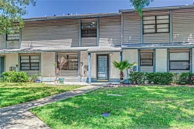 Tampa Townhouse For Sale: 3405 Oak Trail Court