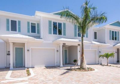 Largo Townhouse For Sale: 12729 Indian Rocks Road