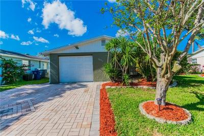 Holiday Single Family Home For Sale: 3935 Star Island Drive