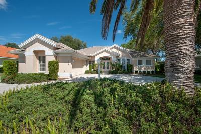 Venice Single Family Home For Sale: 124 Fieldstone Drive