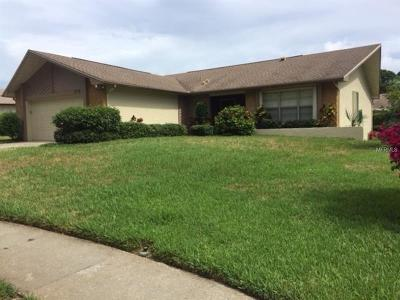 Palm Harbor Single Family Home For Sale: 1719 Aberdeen Court