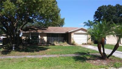 Tampa Single Family Home For Sale: 7015 Almendariz Way