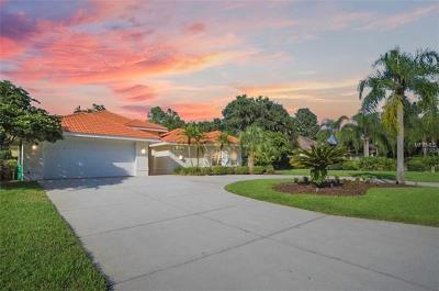 Wesley Chapel Single Family Home For Sale: 30215 Laurelwood Lane