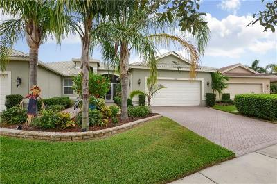 Wimauma Villa For Sale: 15806 Aurora Lakes Circle