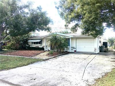 Pasco County Single Family Home For Sale: 13233 Lisa Drive