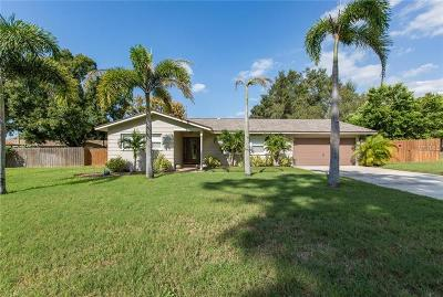 Tarpon Springs Single Family Home For Sale: 1240 Holiday Drive